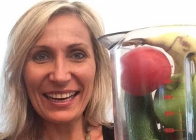 Aussie Health Girl Mona Hecke